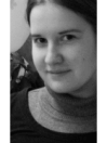 Portraitbild von content.de Autorin Briefmarke