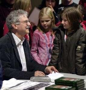 Autor Paul Maar bei einer Lesung in Halle. Quelle: Wikipedia/Dagny Giel